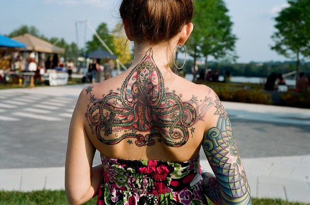It's a bit too colorful but I still like it :)Gorgeous Tattoo, Love Tattoo, 3D Tattoo, Girls Tattoo, Back Piece, Body Art, Body Modifications, A Tattoo, Tattoo Ink
