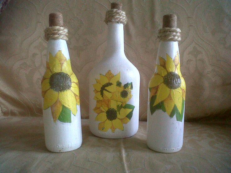 Botellas decoradas con técnica de decoupage