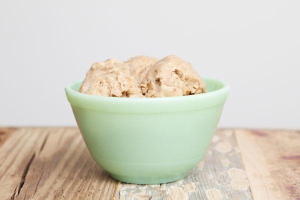 Peanut butter & banana 'ice-cream' - the healthy option for dessert!