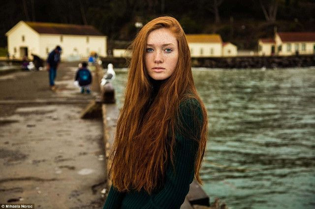 Potret Menawan Para Wanita Cantik di Seluruh Dunia - 7