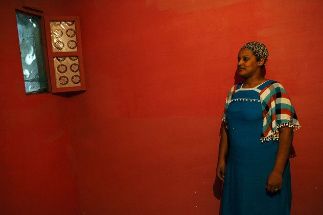 Femme divorcée, Sidi el Houari, Oran, Algérie 2013.