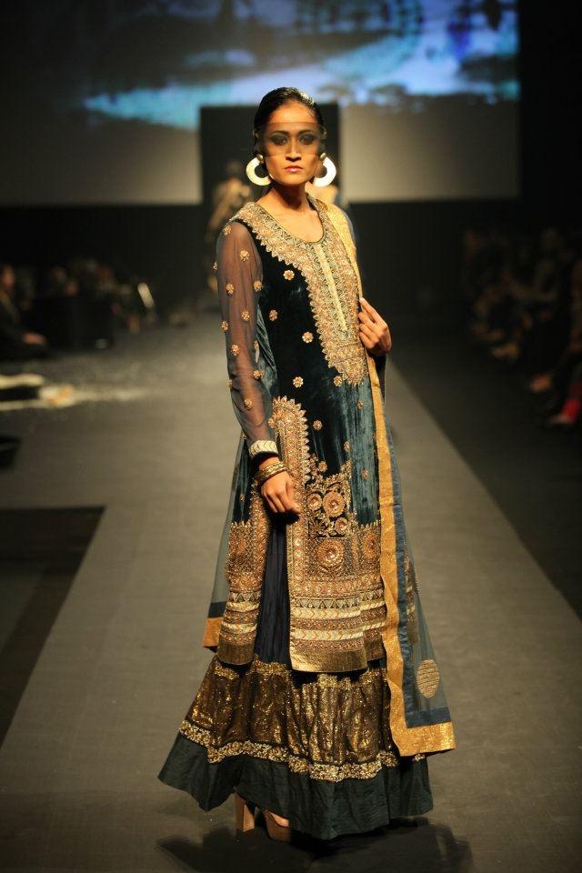 Long kurta(shirt) with lehenga (skirt) Beautiful, by ... - photo #31