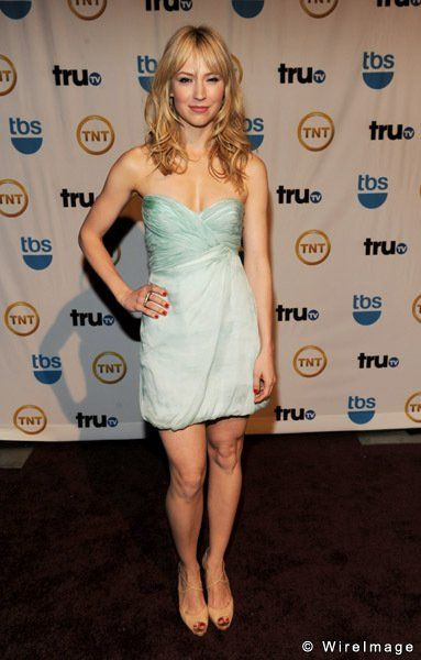 Obsessed with Beth Riesgraf's hair.