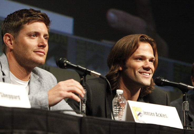 SUPERNATURAL's Jensen Ackles (left) and Jared Padalecki during the show's panel at Comic-Con 2012 (© WBEI. All Rights Reserved.): Comiccon Panels, Supernatural Comiccon, Comiccon 2012, Jared Padalecki, Supernatural Panel, Jensen Ackles, Comic Con 2012, Diego Comiccon, Comiccon2012