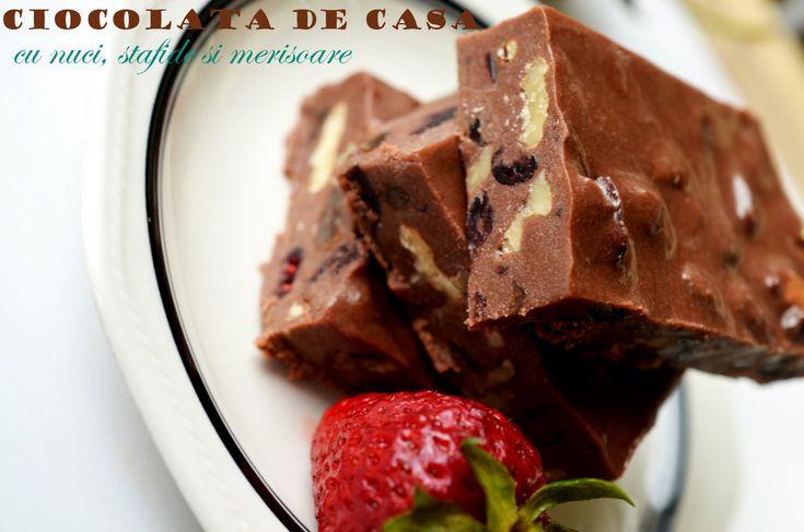 Ciocolata de casa cu nuci, stafide si merisoare - Retete culinare by Teo's Kitchen