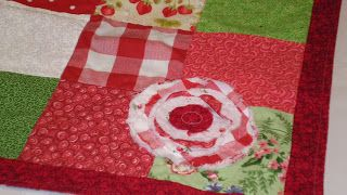 Ribbonwood Cottage: Cottage Style Raggy Rose Applique Quilt