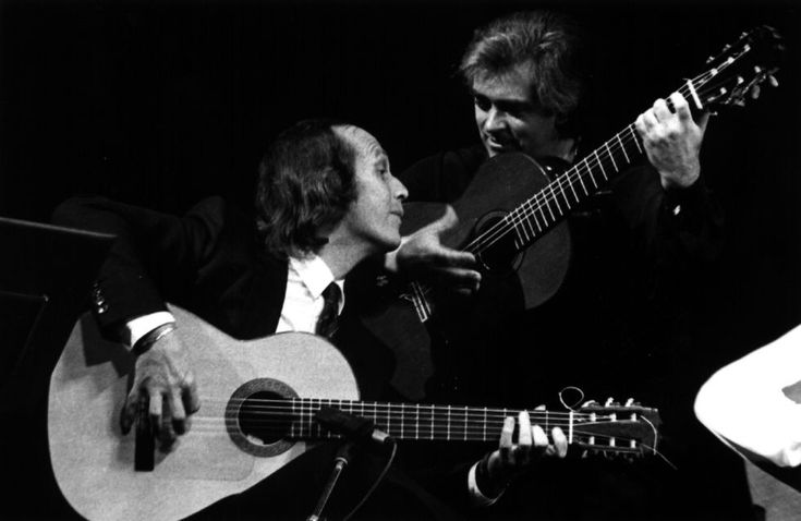 Los guitarristas Paco de Lucía (izqda.) y Manolo Sanlúcar.