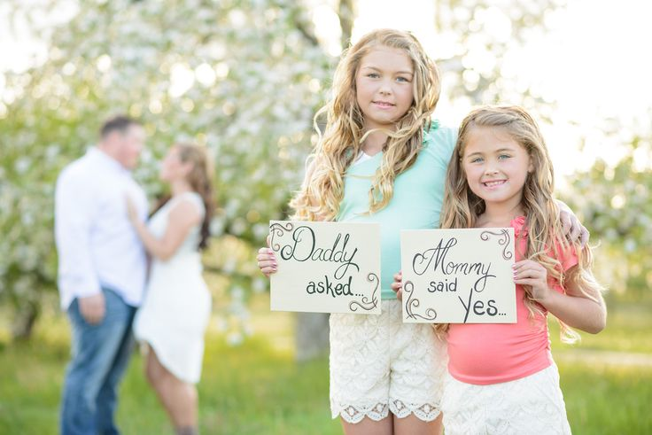 Engagement photo with kids, Engagement photo idea with kids