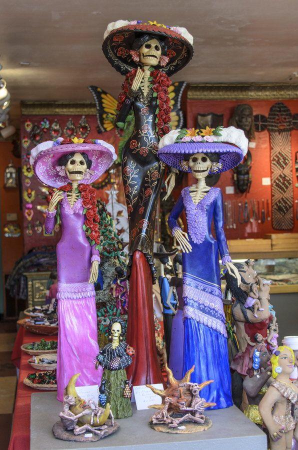 Catrinas - icon of the Days of the Dead, Mexico. Posada.