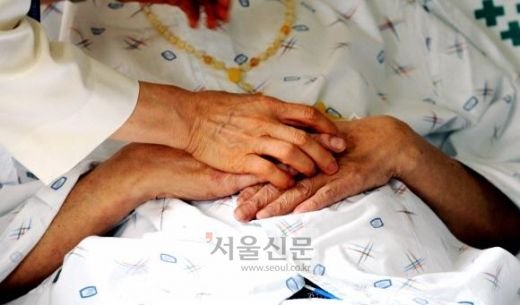 [송혜민 기자의 월드 why] '맞이하는 죽음'으로의 변화… 영국 호스피스 성공의 시작 : 네이버 뉴스