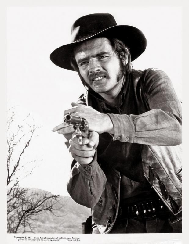 LAWMAN (1971) - Richard Jordan portrays a gunman employed by cattle rancher Lee J. Cobb - Directed by Michael Winner - United Artists - Publicity Still.  Lawman (1971)