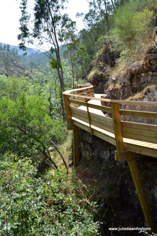 River Paiva wooden boardwalk, Espiunca, Arouca, Portugal. This 8 km long walkway through the forest and hillside allows you to walk alongside the River Paiva and experience magnificent views that were previously inaccessible. Click to read tips for doing this walk in central Portugal.