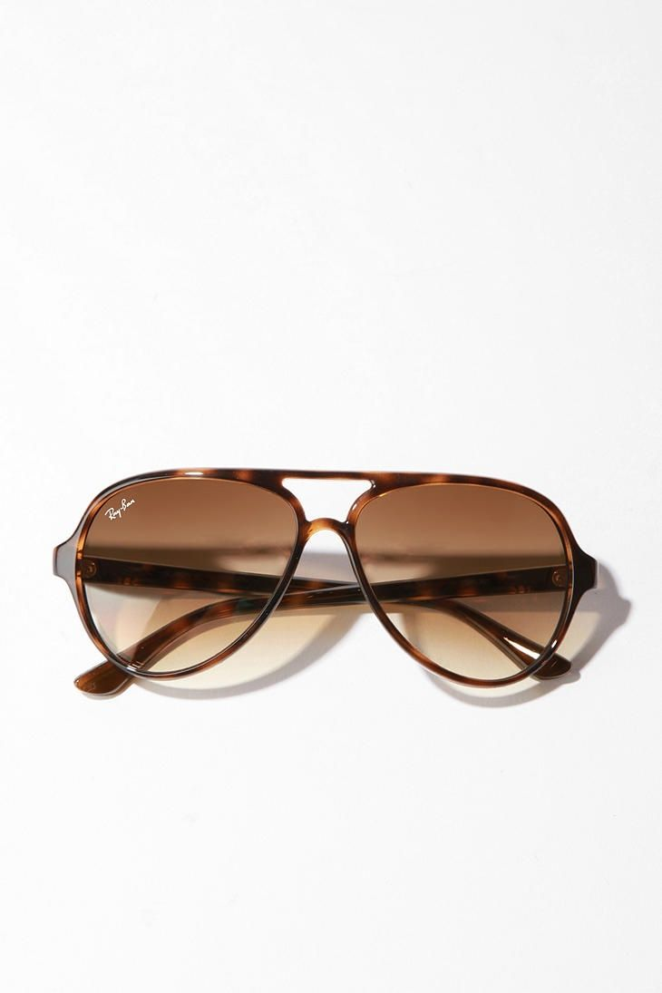 30 best images about eyes on pinterest oliver peoples sunglasses and vintage. Black Bedroom Furniture Sets. Home Design Ideas