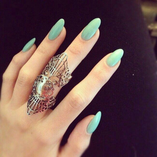 Mint rounded nails