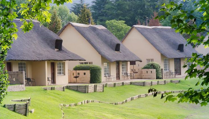 Glengarry Holiday Farm Self catering holiday accommodation in Glengarry, Drakensberg  Whether you are looking for an action packed holiday of outdoor activity or simply to relax in rustic tranquillity, Glengarry Holiday Farm offers a spectacular Berg experience for friends and family. Set against the backdrop of the magnificent Drakensberg Mountains and overlooking the Little Mooi River, Glengarry is a nature lover's paradise and a sports enthusiast's playground