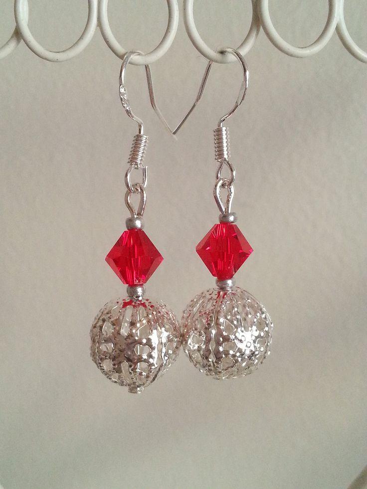 Boucles d'oreilles rouges fines et élégantes : Boucles d'oreille par d-un-reve-une-creation
