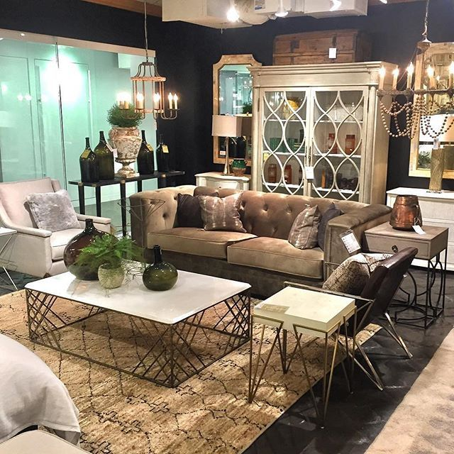 Another great day here at Atlanta Market! Be sure to stop by our showroom, 15-E-24, to view our new products! 📸@hoaglandsofgreenwich #ATLMKT #interiordesign #gabbystyle #homedecor #transitionaldesign #furniture #lighting #atlanta