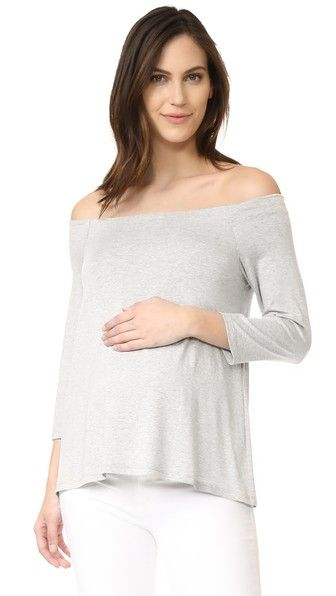 Get this HATCH's top off shoulder now! Click for more details. Worldwide shipping. HATCH The Off-Shoulder Top: From HATCH, an effortless and versatile maternity collection that begs to be worn before, during, and after pregnancy. A simple HATCH off-shoulder top in soft, mid-weight jersey. 3/4 sleeves. Fabric: Jersey. 95% rayon/5% spandex. Wash cold or dry clean. Made in the USA. Measurements Length: 22in / 56cm, from center back (top hombros descubiertos, sin hombros, off shoulders, off the…
