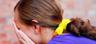A+középiskolások+legalapvetőbb+félelme,+hogy+család+nélkül+maradnak,+az+elvált+szülők+gyerekei+és+az+állami+gondozottak+pedig+még+náluk+is+jobban+szoronganak.+A+középiskolások+nagy+része+retteg+a+szexuális+erőszaktól.   Az+SOS+Gyermekfalvak+több+mint+1000+középiskolás+fiatalt+kérdezett…