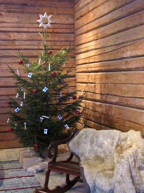 Christmas tree, Taitokortteli, Joensuu, Finland