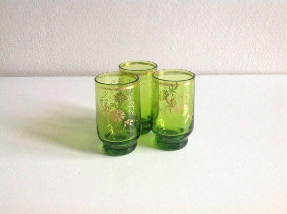 Home decor Vintage Set of 3 Retro Green Glasses от SashaStore, $15.00