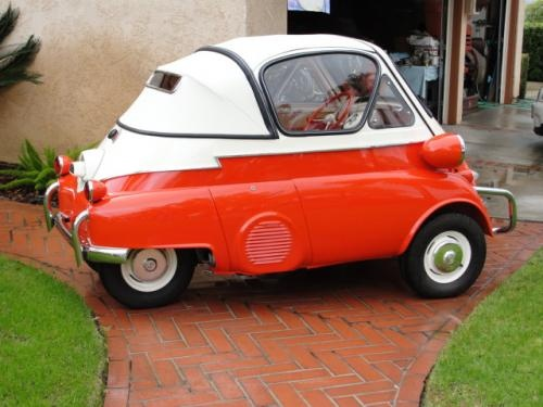 Convertible BMW Isetta. I want this car!