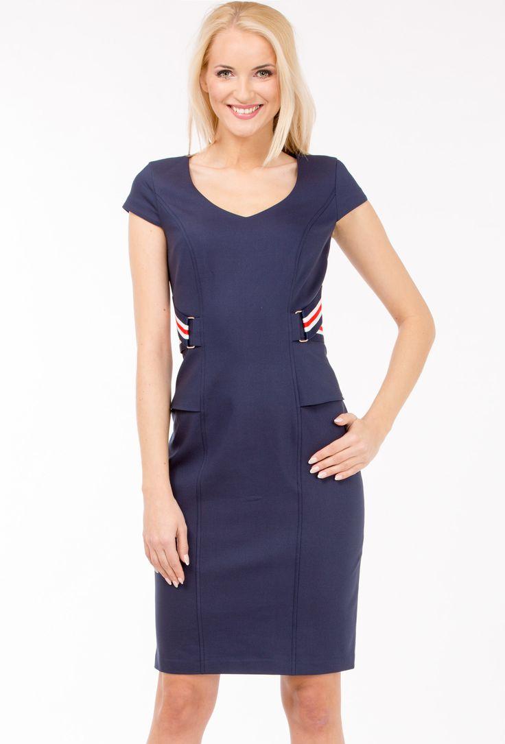 Sukienka w marynarskim stylu