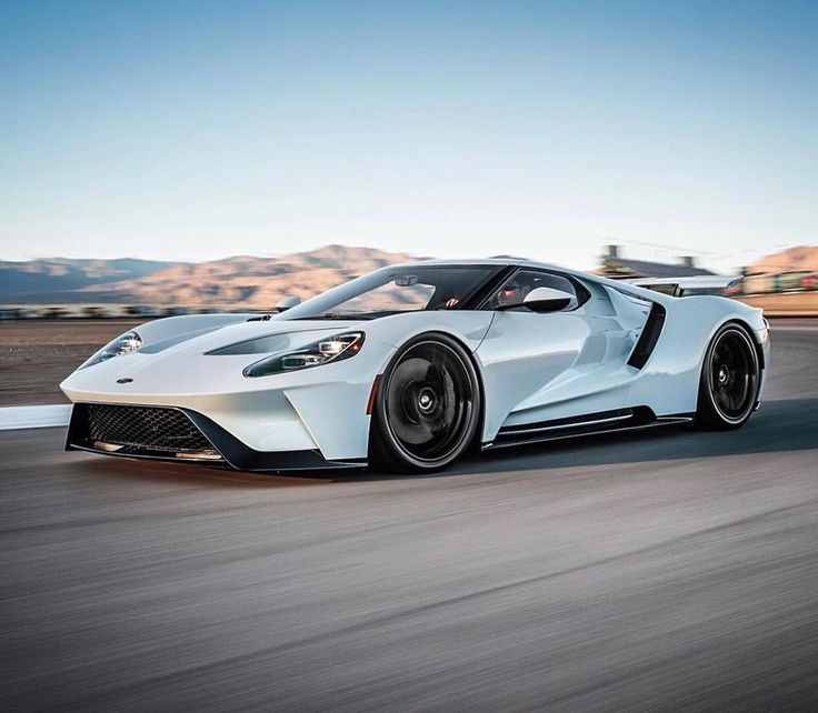 Ford GT looking so slick