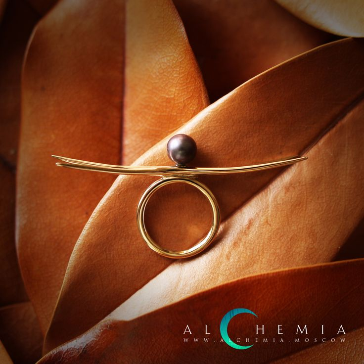 The Dragonfly ring. Silver, pearl. Handmade by Alchemia Jewellery.
