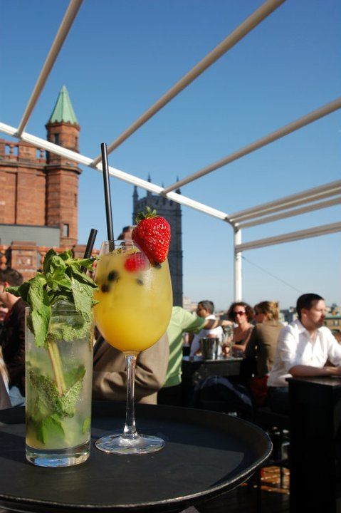 I had a pleasant breezy date on Saturday at Terrasse Place d'Armes in #OldMontreal. The view took my breath away, and so did he! Anyways, do try the raspberry mojito! Perfect in hot steamy weather, with your hot steamy man ;D Lea