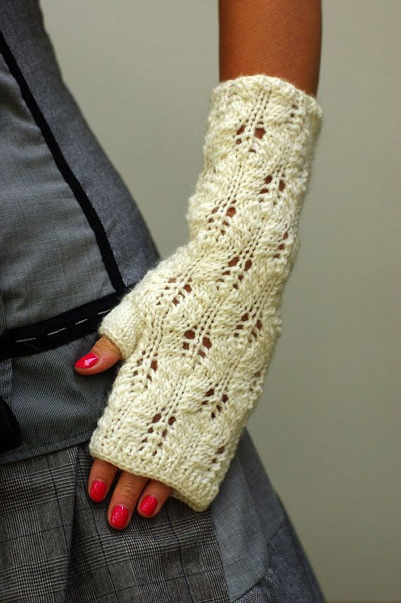 Romantic white fingerless gloves lace wool fingerless by ESTtoYou