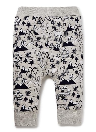Cotton/Elastane harem pant with gussett featuring all over yardage print. Elasticated waistband and cuffs in contrast rib.