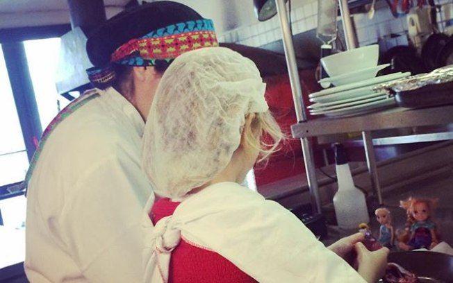 Paola e Francesca. Cozinha também é lugar de criança!