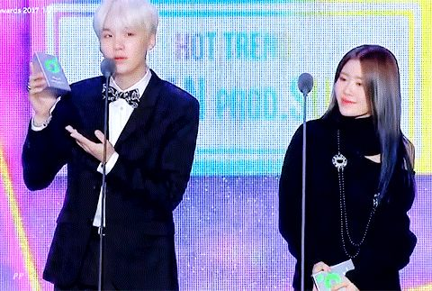 Congratulations SUGA for winning HOT TREND AWARD at 2017 Melon Music Awards #MAMA2017 ❤️❤️✨