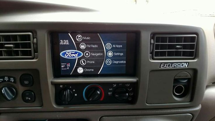 Nexus 7 in 2000 Ford Excursion