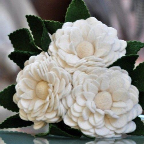 Pioen Boeket, origineel bruidsboeket, alternatief bruidsboeket, felt flowers, felt bridal bouquet. | www.be-flowerd.nl |