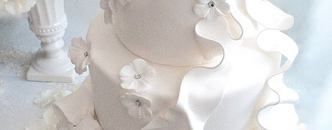 wedding cake, white, ribbon, flower, crystal, clay, Le Elbon, Sapporo, Lys Gracieux, 札幌ポーセラーツサロン Lys Gracieux(リスグラシュ)クレイウェディングケーキ