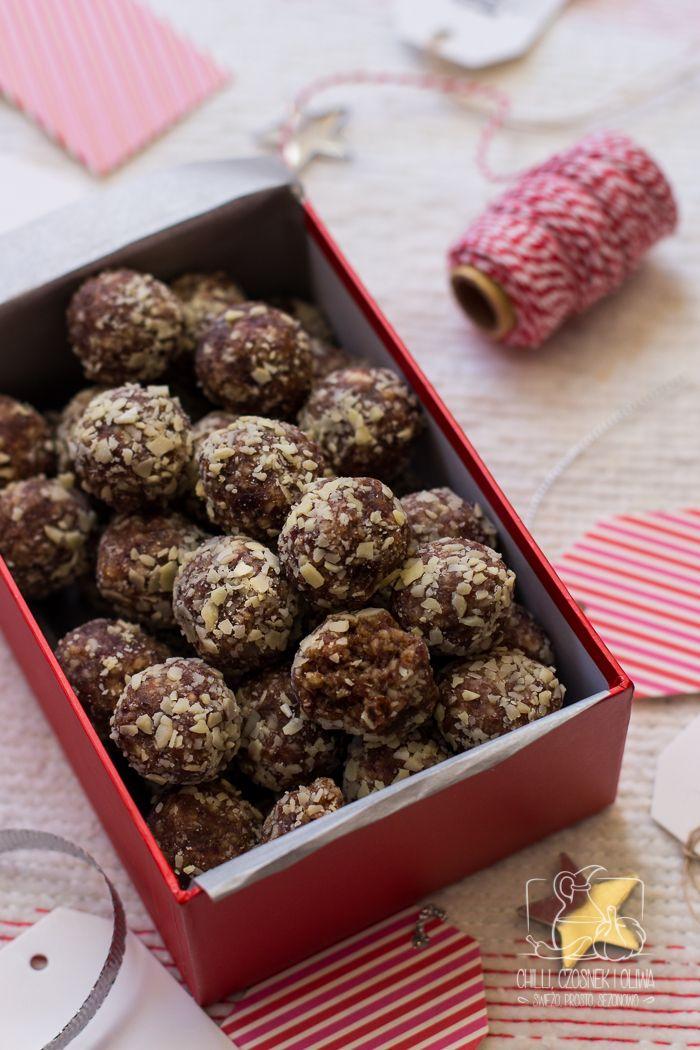 Jadalne prezenty: Marokańskie trufle daktylowe (bez cukru) Moroccan date and almond truffles, edible gift