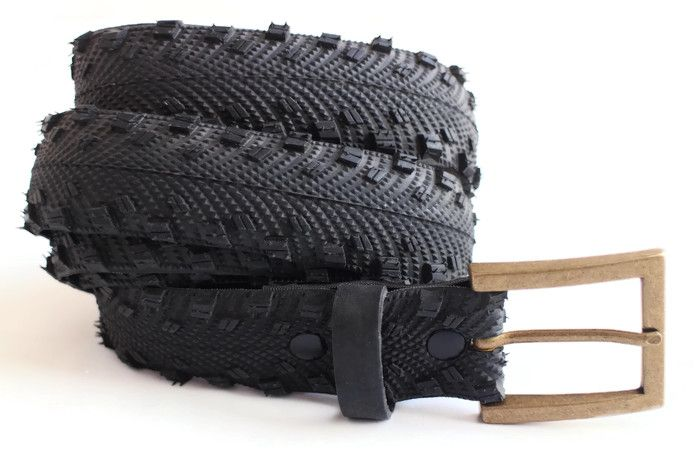 Upcycled black textured tyre belt by Laura Zabo