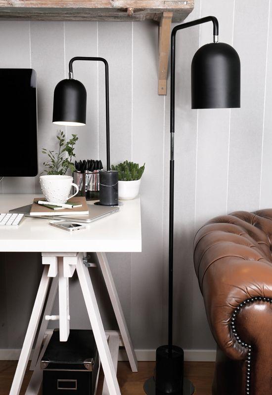 Vackert designad golvlampa med en solid marmorfot och en vinklingsbar skärm där ljuskällan sitter. https://buff.ly/2fROWXE?utm_content=buffer17692&utm_medium=social&utm_source=pinterest.com&utm_campaign=buffer