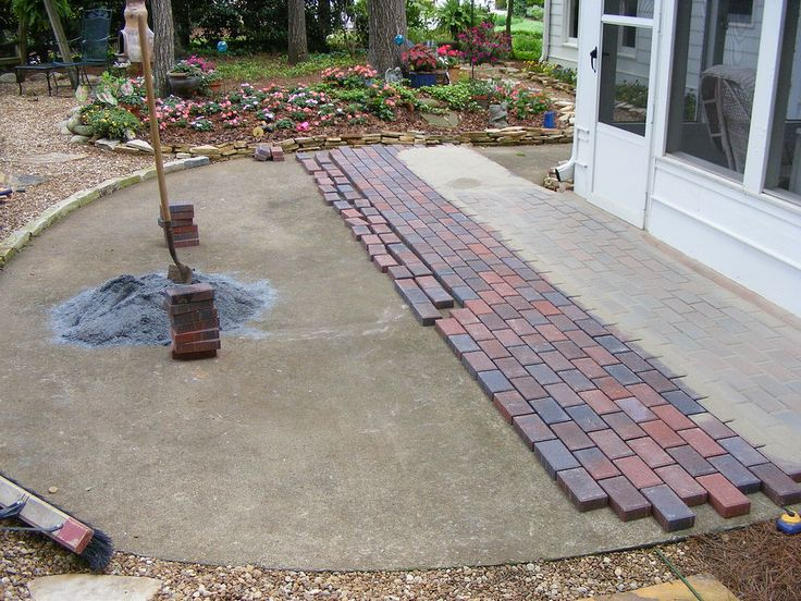 Best 25 pavers over concrete ideas on pinterest patio for Best way to lay out a garden