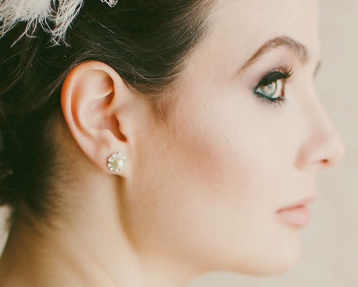 Pearl & Crystal Stud Earrings, Prague | The Wedding Hair Accessory and Bridal Jewellery Experts.