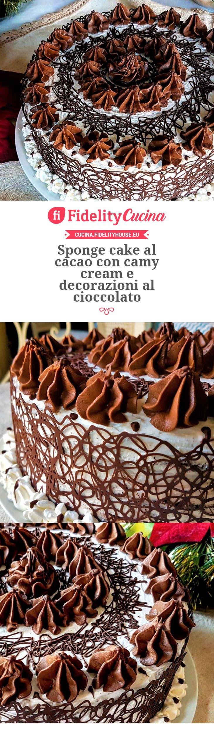 Sponge cake al cacao con camy cream e decorazioni al cioccolato