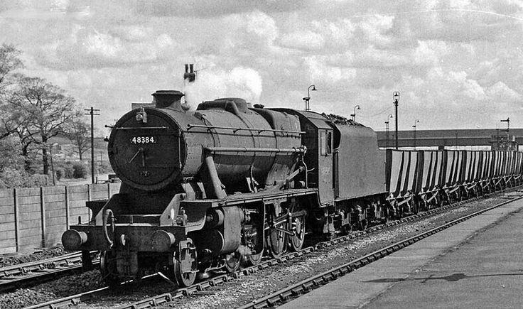 BR (LMS)  Stanier class 8F  2-8-0