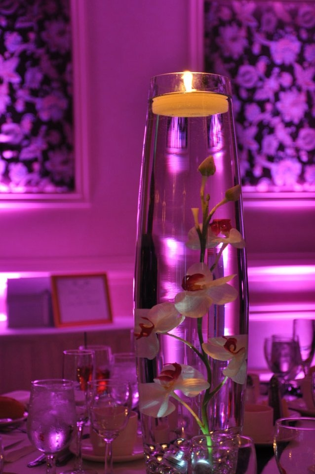 Took this pic at my friends wedding in August...beautiful centerpiece!