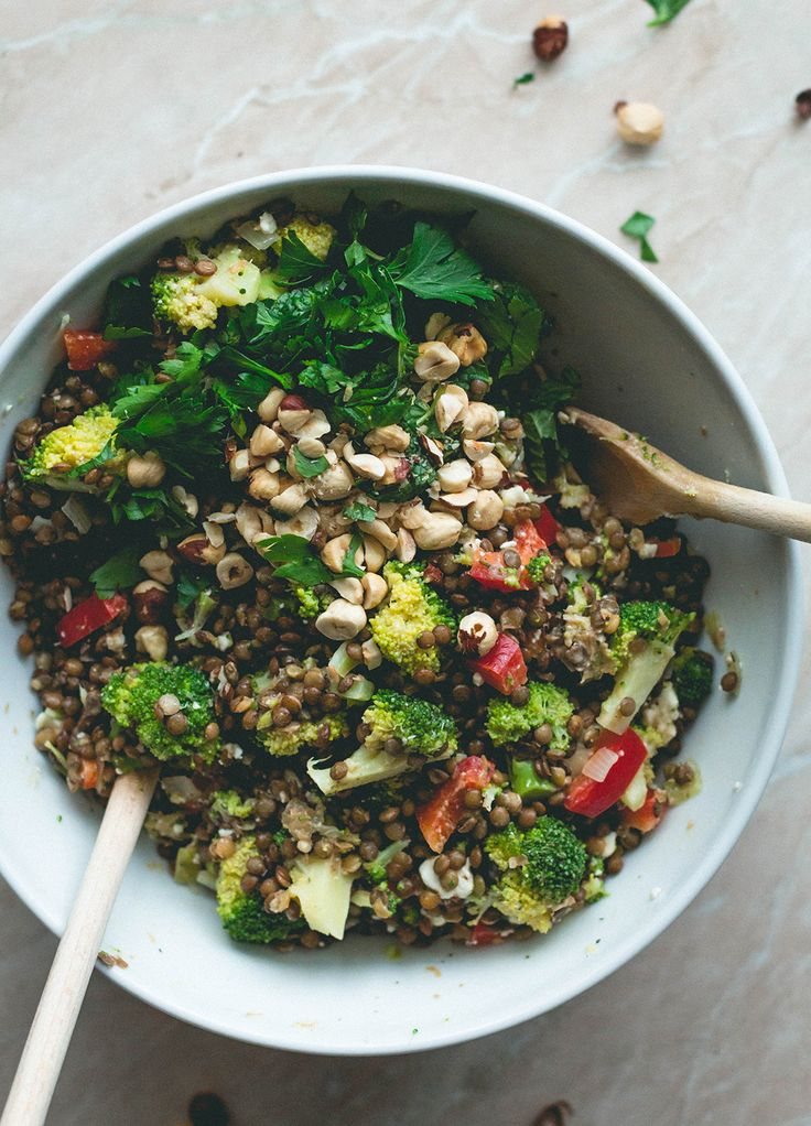 French Lentil Broccoli Salad - Fresh, full of flavor, and absolutely scrumptious! The mint, parsley, marjoram, toasted hazelnuts, and shallot give it the BEST flavor! http://thehealthfulideas.com/french-lentil-broccoli-salad/ | recipe by @thehealthfulideas