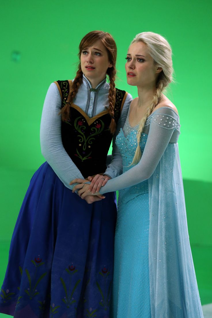 Georgina haig filming once upon a time 06 full size pictures to pin on - Elizabeth Lail And Georgina Haig Behind The Scenes Once Upon A Time