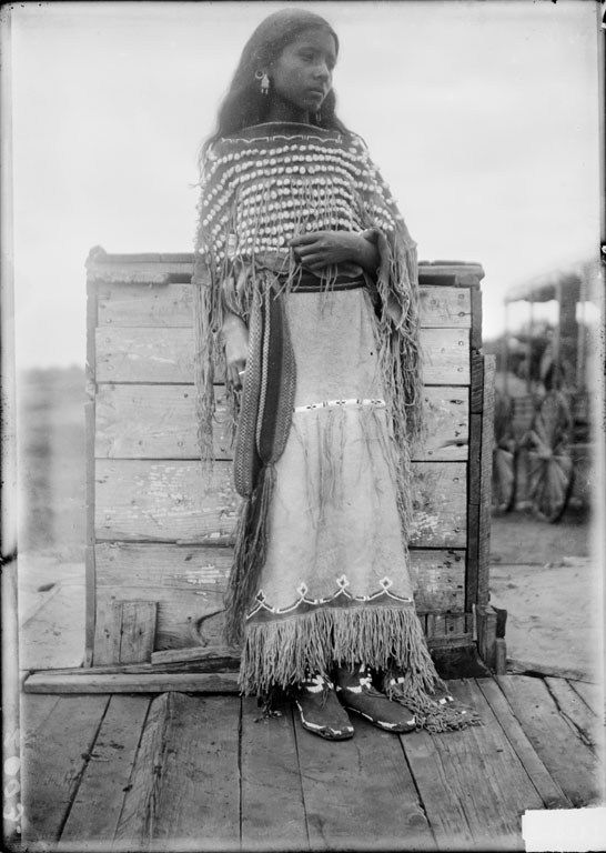 the role of native american women essay American women and how far they've come the role of american women has changed significantly since 1870, when their role was primarily domestic, to the modern era of the 1950's, when they became a large part of the workforce.