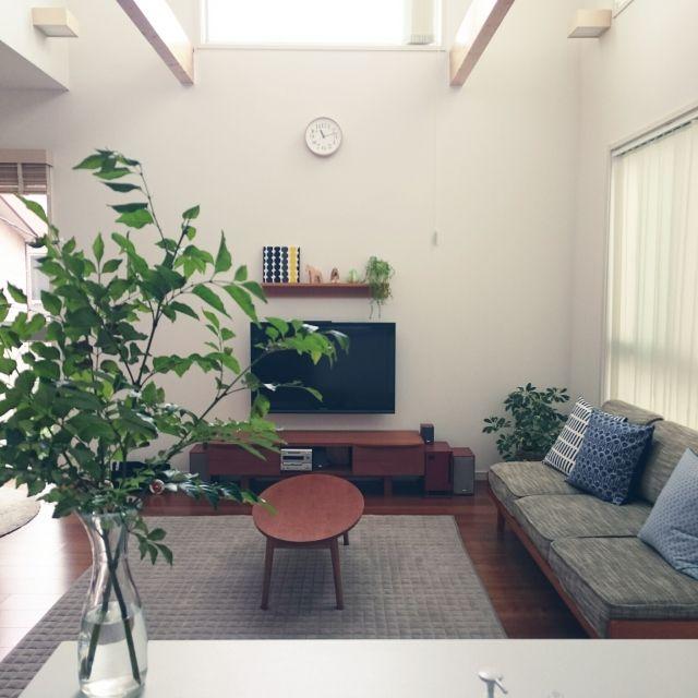 shiokoさんの、リビング,無印良品,北欧,北欧インテリア,シマトネリコ,枝もの,unico TVボード,無印良品 壁に付けられる家具,unico ソファ,unico ,こどもと暮らす。,のお部屋写真