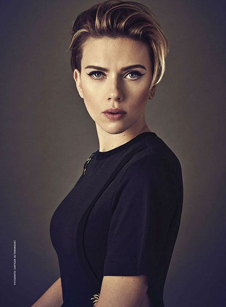 Cara Stewart Kristen Femmes  30 meilleurs cheveux courts de Scarlett Johansson